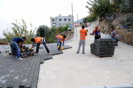 Yenişehir'de Sokaklara Parke Döşeniyor
