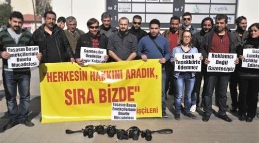 Yerel Gazeteciler İşten Çıkarılmaları Protesto İçin Eylem Yaptı