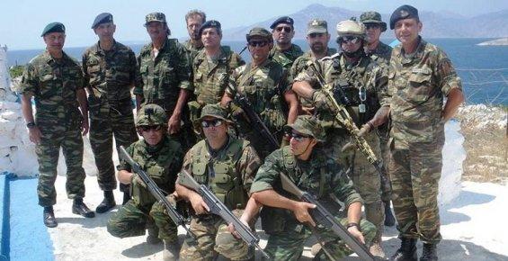 Yunanistan, işgal ettiği iki adamıza daha üs kurdu